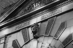 Frontage della stazione di polizia Fotografie Stock Libere da Diritti