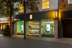 Frontage of the EE mobile store at night on Clumber Street, Nottingham Stock Photo