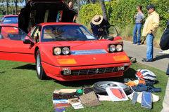 Frontal sikt för klassisk Ferrari 512 bbisportbil Arkivfoto