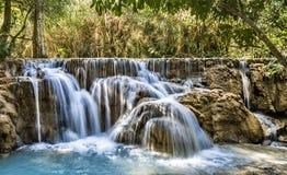 De Dalingen van Si van Kuang - Watervallen in Luang Prabang, Laos Royalty-vrije Stock Fotografie