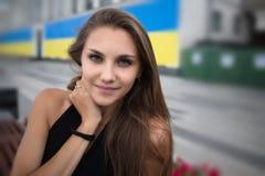 Fronte Bella ragazza europea sembrante naturale fotografia stock libera da diritti