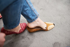 Fronte d'acquisto del topo delle scarpe Fotografia Stock Libera da Diritti