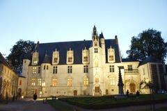 Fronte del castello medievale a Beauvais immagini stock libere da diritti