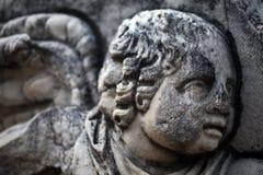 Fronte del marmo di età e statua antichi del corpo immagine stock