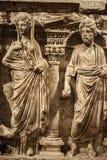 Fronte del marmo di età e statua antichi del corpo immagine stock libera da diritti