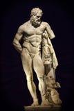 Fronte del marmo di età e statua antichi del corpo fotografie stock libere da diritti