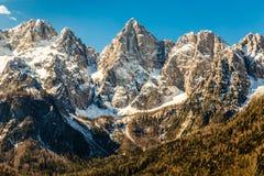 Fronte del nord della montagna di Spik dalla Martuljek-Slovenia Immagini Stock