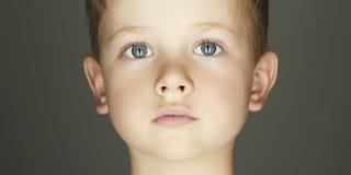 Fronte del ragazzo del bambino immagini stock