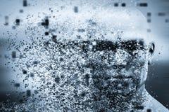 Fronte dell'uomo con effetto della dispersione del pixel Concetto di tecnologia, scienza moderna ma anche disintegrazione Fotografia Stock