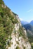 Fronte della montagna con via il ferrata Amicizia vicino a Riva del Garda immagine stock libera da diritti