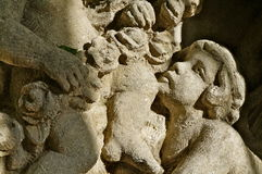 Fronte della statua in una fontana Immagini Stock