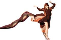 Fronte di bella donna caucasica in vestito marrone fotografia stock libera da diritti