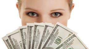 Fronte di bella giovane donna e della bambola money- Fotografie Stock Libere da Diritti