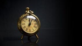 Fronte di orologio antico dello scrittorio sopra Immagini Stock Libere da Diritti