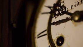 Fronte di orologio d'annata archivi video