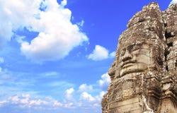 Fronte di pietra gigante in tempio di Prasat Bayon, complesso di Angkor Wat, Sie Fotografia Stock