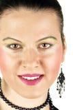 Fronte sorridente della donna con i grandi denti bianchi fotografia stock