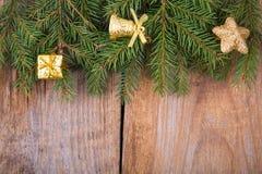 Frontera de la Navidad con las decoraciones tradicionales Foto de archivo