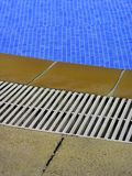 Frontera de la piscina fotos de archivo