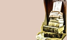Frontera de libros antiguos con el copia-espacio imagen de archivo libre de regalías