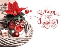 Frontera decorativa de la Navidad con la poinsetia en la madera, espacio del texto Imagen de archivo libre de regalías
