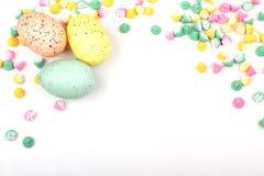 Frontera en colores pastel del huevo de Pascua Imagenes de archivo