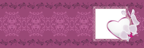 Frontera púrpura ornamental con el corazón al día de tarjetas del día de San Valentín Imagenes de archivo