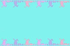 Frontière de Pâques avec des oeufs et des lapins de modèle de points sur le dessus et Photo libre de droits