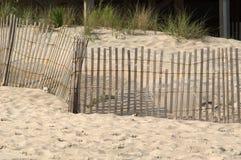Frontière de sécurité dans les dunes   photo stock