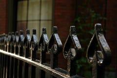 Frontière de sécurité de fer travaillé des cosses photographie stock libre de droits