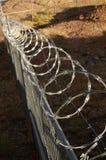 Frontière de sécurité de fil de rasoir. photos stock