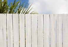 Frontière de sécurité de panneau blanchie par cru photographie stock