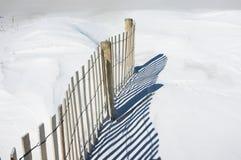 Frontière de sécurité de sable et horizontal de dunes Photos stock
