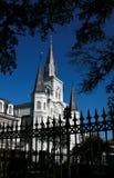 Frontière de sécurité devant la cathédrale de St Louis, la Nouvelle-Orléans Photographie stock libre de droits