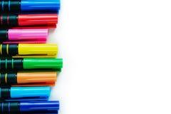 Frontière gauche de stylo de revêtement d'amende de couleur sur le fond blanc Image stock