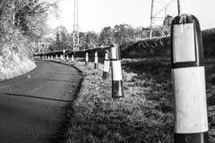 Frontières de bord de la route photographie stock