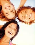 Fronti delle ragazze con le tonalità che guardano giù Immagini Stock Libere da Diritti