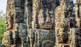 Fronti di pietra al tempio del bayon in Siem Reap, Cambogia 2 Immagine Stock