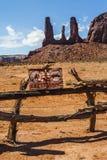 Frontiera alla valle del monumento, Utah fotografia stock libera da diritti