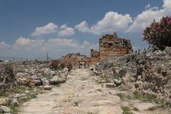 Frontinusstraat in de Oude Stad van Hierapolis, Turkije Stock Fotografie