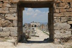 Frontinusstraat in de Oude Stad van Hierapolis, Turkije Royalty-vrije Stock Fotografie
