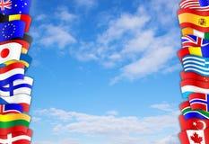 Frontière de ciel de drapeaux Photo libre de droits