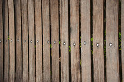 Frontière de sécurité en bois réelle foncée Photographie stock