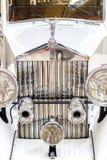 Frontlights och element av gammal exklusiv lyxig Rolls Royce vin royaltyfri bild