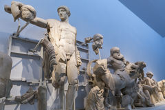 Fronton occidental du temple de Zeus à Olympia : Centaure de Thessalie photos stock