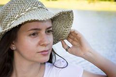 frontowa jeziorna kobieta zdjęcie stock