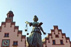 frontowa sprawiedliwości damy romer statua Fotografia Stock