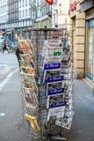 Frontowe pokrywy Międzynarodowa gazeta Zdjęcie Stock