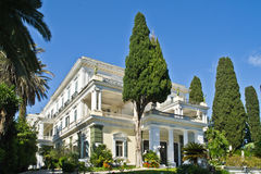 Frontowy widok Achilleion pałac, Corfu Zdjęcie Royalty Free
