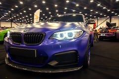 Frontowy widok BMW M2 z sporta nastrajaniem Obrazy Stock